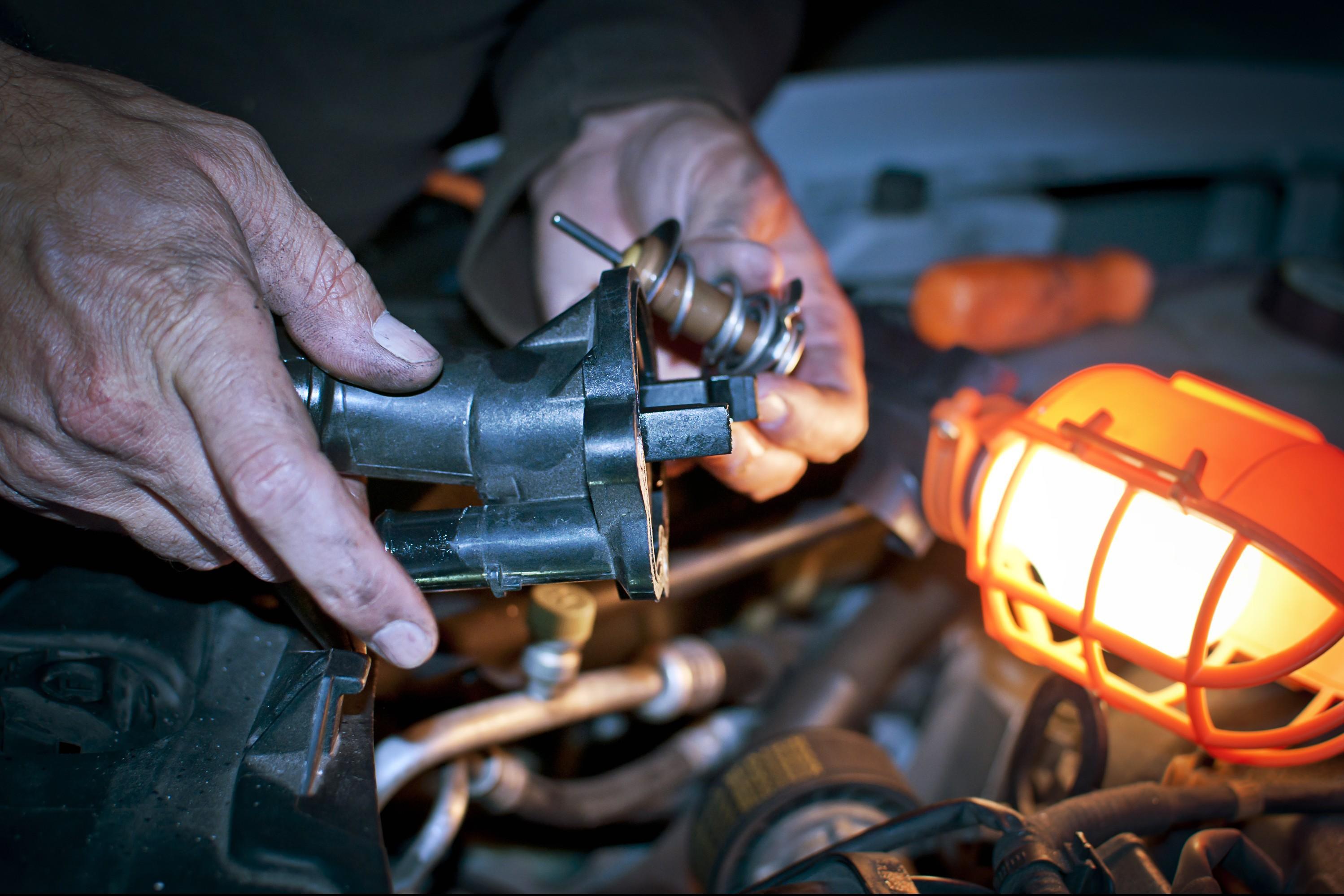 manutenzione-come-riparare-il-termostato-dellauto
