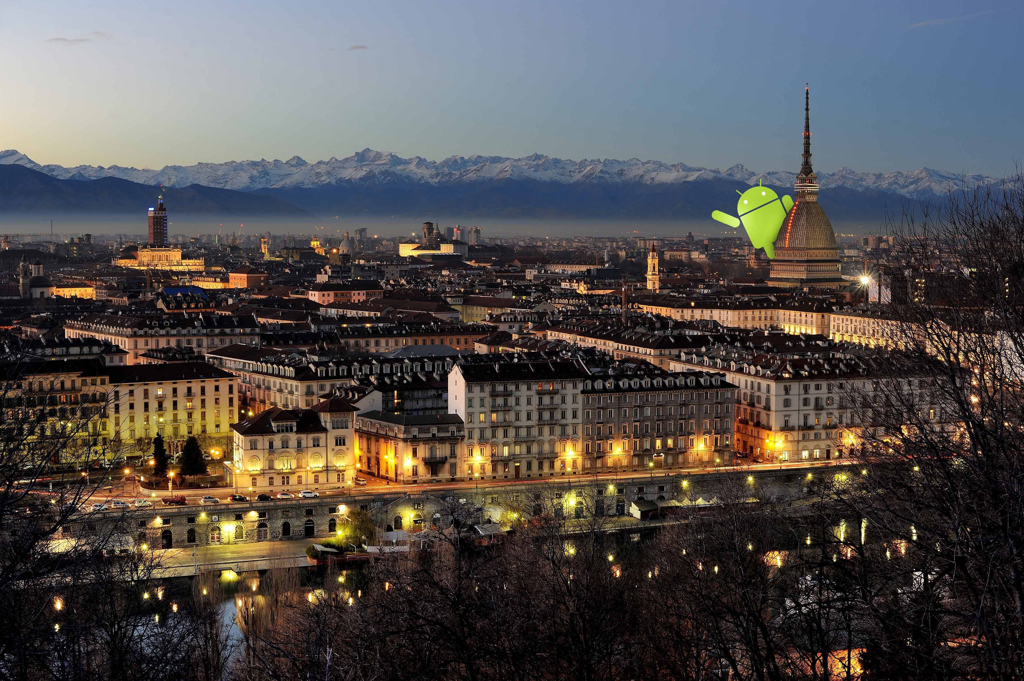Turin_-by-night-city-photo-Wikipedia1